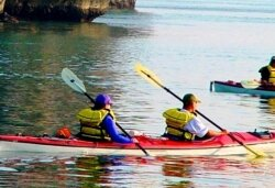 Halong Bay kayaking activites