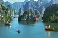 Halong Bay overview Photo