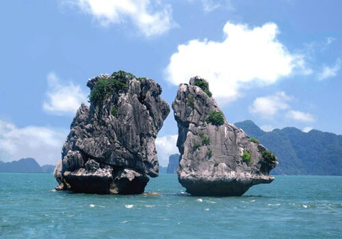 Beautiful pictures of Ha Long Bay